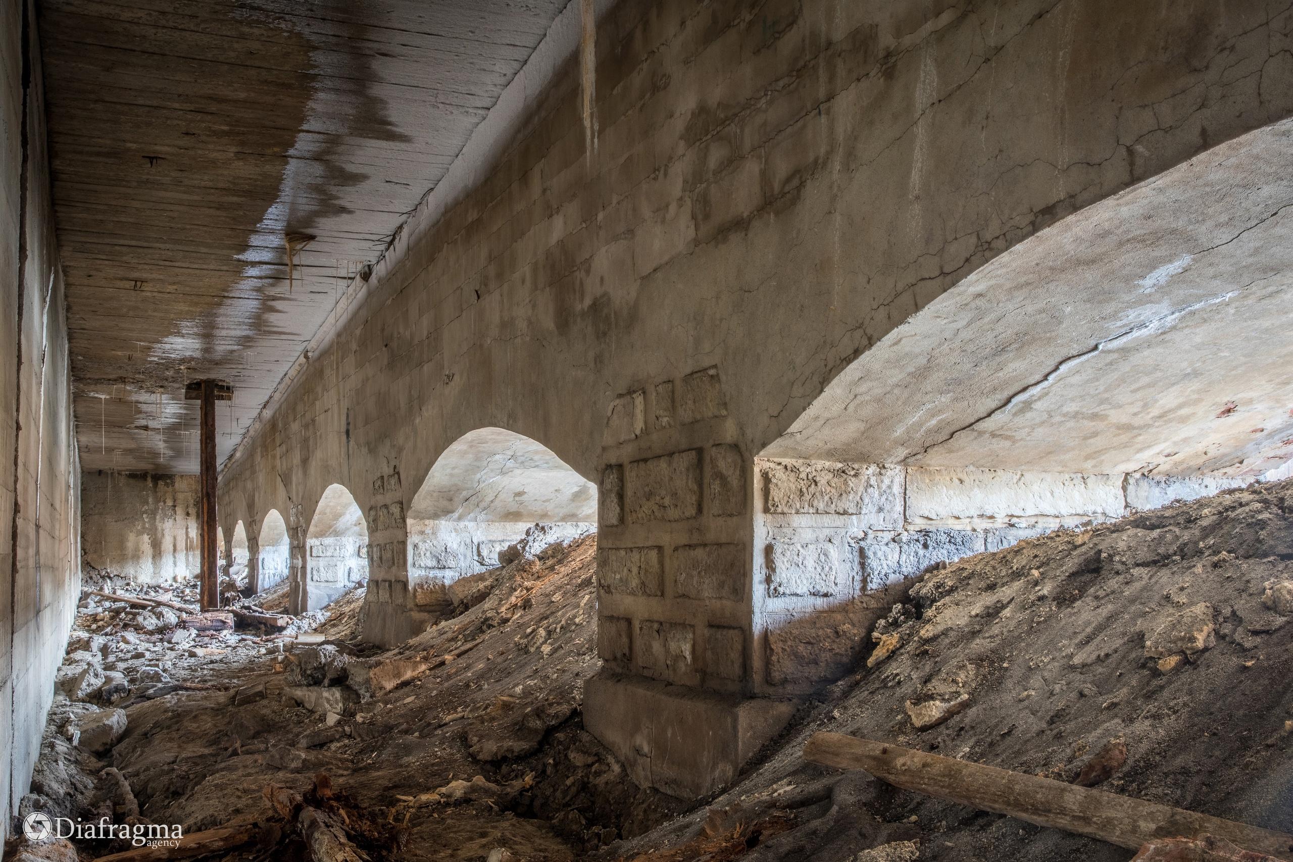 Арочные своды моста открытые в процессе археологических работ в 2021 году